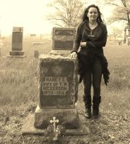 nancy-e-pratt-nickerson-tombstone-w-coni-dubois2